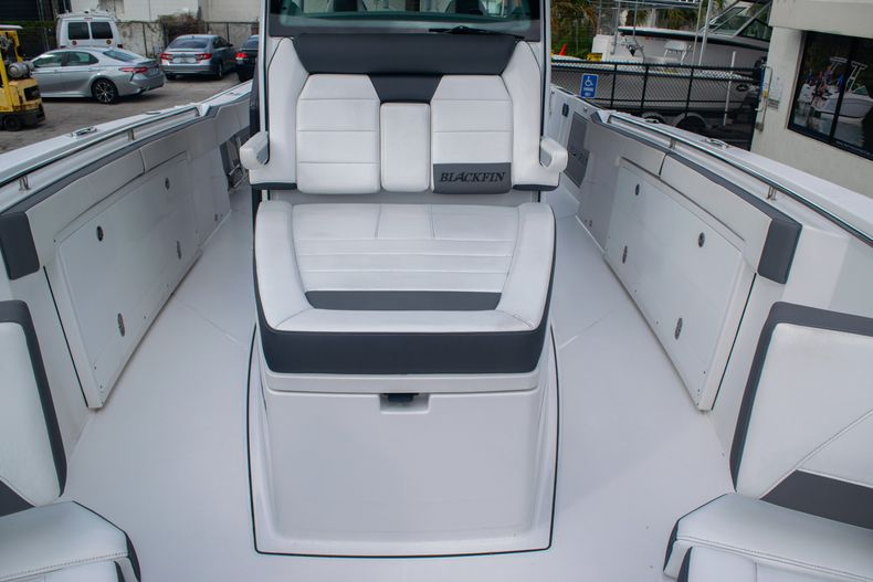 Thumbnail 48 for Used 2020 Blackfin 332CC boat for sale in Fort Lauderdale, FL