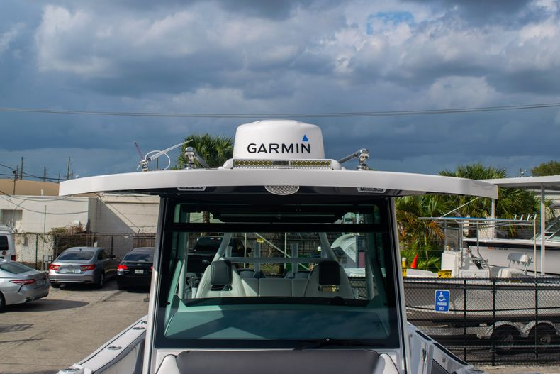 Thumbnail 59 for Used 2020 Blackfin 332CC boat for sale in Fort Lauderdale, FL