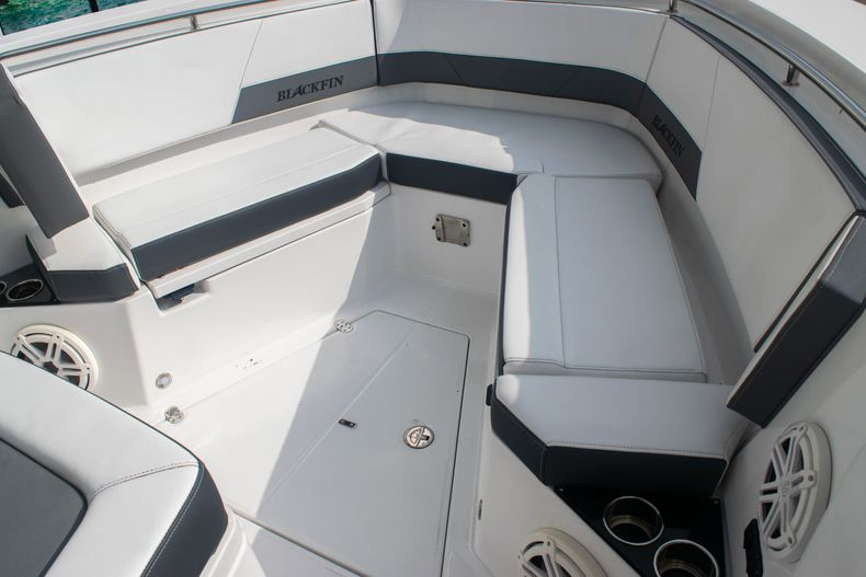 Thumbnail 53 for Used 2020 Blackfin 332CC boat for sale in Fort Lauderdale, FL