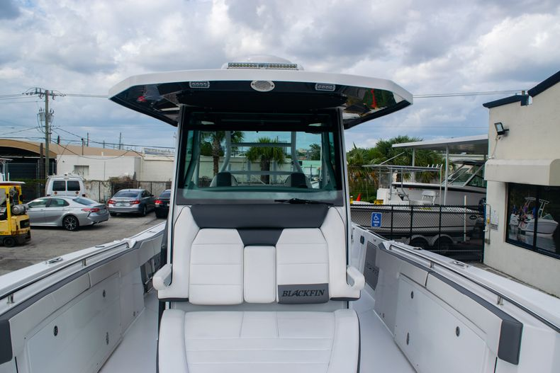 Thumbnail 49 for Used 2020 Blackfin 332CC boat for sale in Fort Lauderdale, FL