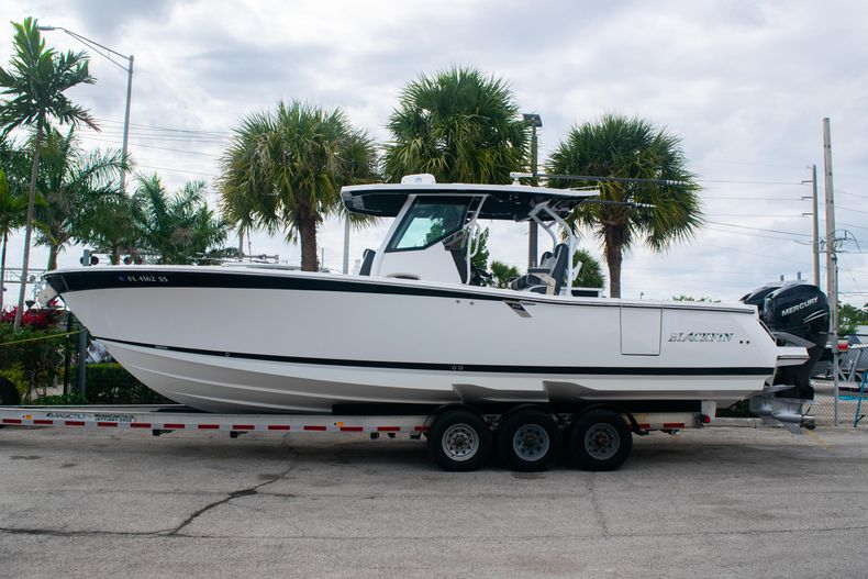 Thumbnail 4 for Used 2020 Blackfin 332CC boat for sale in Fort Lauderdale, FL