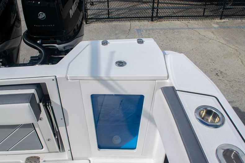 Thumbnail 18 for Used 2020 Blackfin 332CC boat for sale in Fort Lauderdale, FL