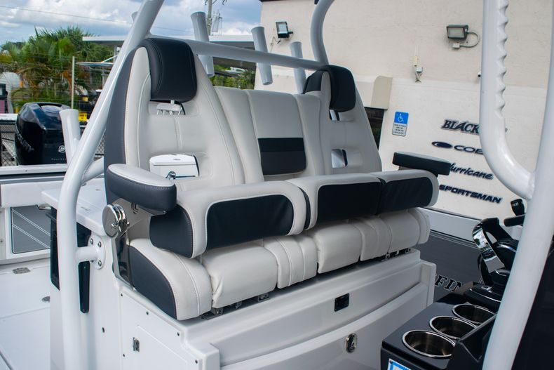 Thumbnail 24 for Used 2020 Blackfin 332CC boat for sale in Fort Lauderdale, FL