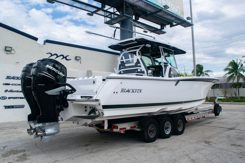 Thumbnail 7 for Used 2020 Blackfin 332CC boat for sale in Fort Lauderdale, FL