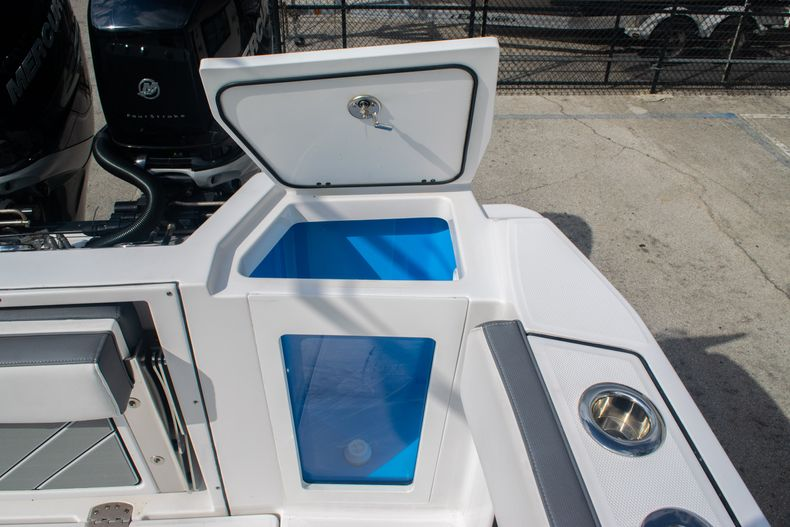 Thumbnail 19 for Used 2020 Blackfin 332CC boat for sale in Fort Lauderdale, FL