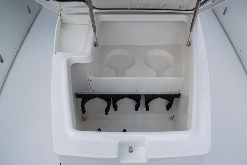 Thumbnail 51 for Used 2020 Blackfin 332CC boat for sale in Fort Lauderdale, FL