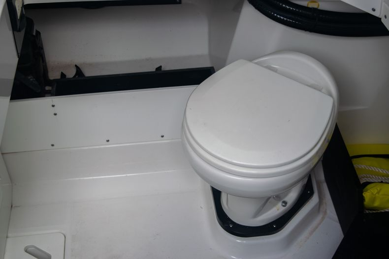 Thumbnail 41 for Used 2020 Blackfin 332CC boat for sale in Fort Lauderdale, FL