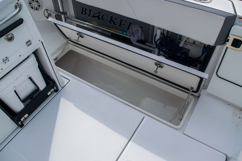 Thumbnail 17 for Used 2020 Blackfin 332CC boat for sale in Fort Lauderdale, FL