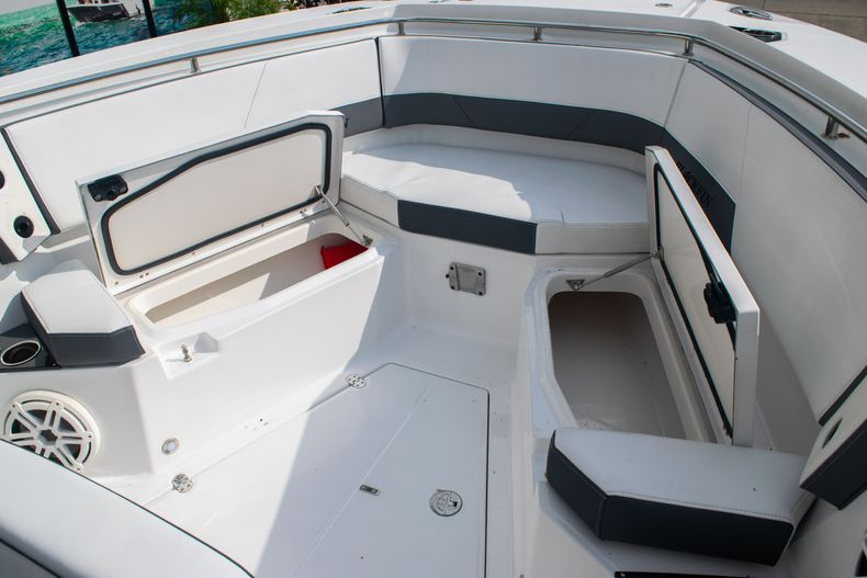 Thumbnail 55 for Used 2020 Blackfin 332CC boat for sale in Fort Lauderdale, FL