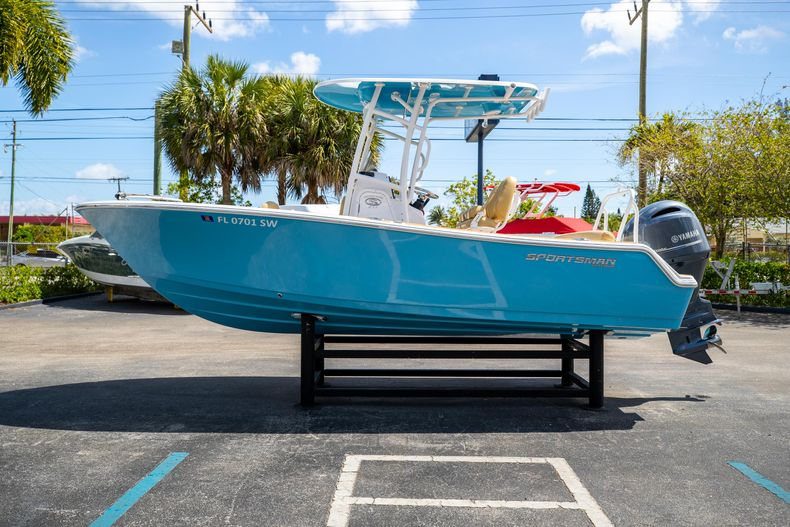 Thumbnail 6 for Used 2021 Sportsman Heritage 211 Center Console boat for sale in West Palm Beach, FL