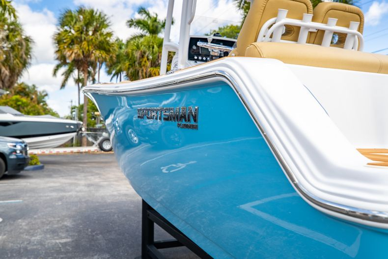 Thumbnail 8 for Used 2021 Sportsman Heritage 211 Center Console boat for sale in West Palm Beach, FL