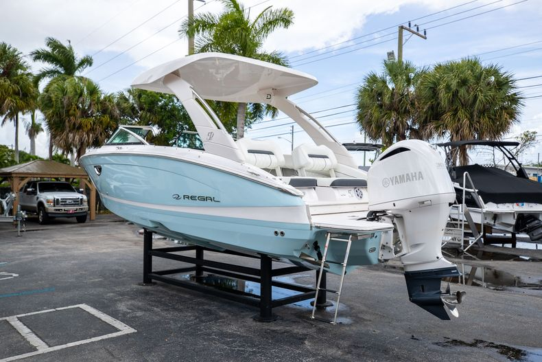 Thumbnail 9 for Used 2021 Regal LX6 Only 7 Hours boat for sale in West Palm Beach, FL