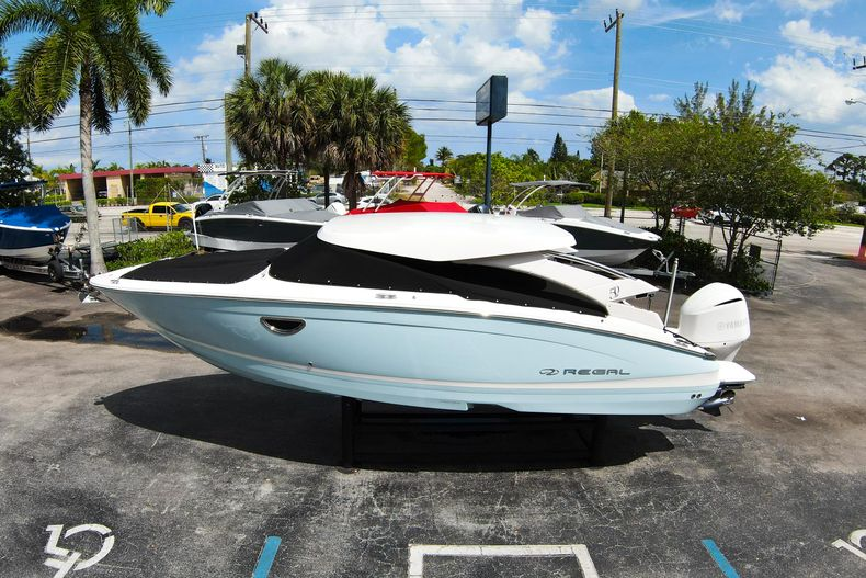 Thumbnail 65 for Used 2021 Regal LX6 Only 7 Hours boat for sale in West Palm Beach, FL