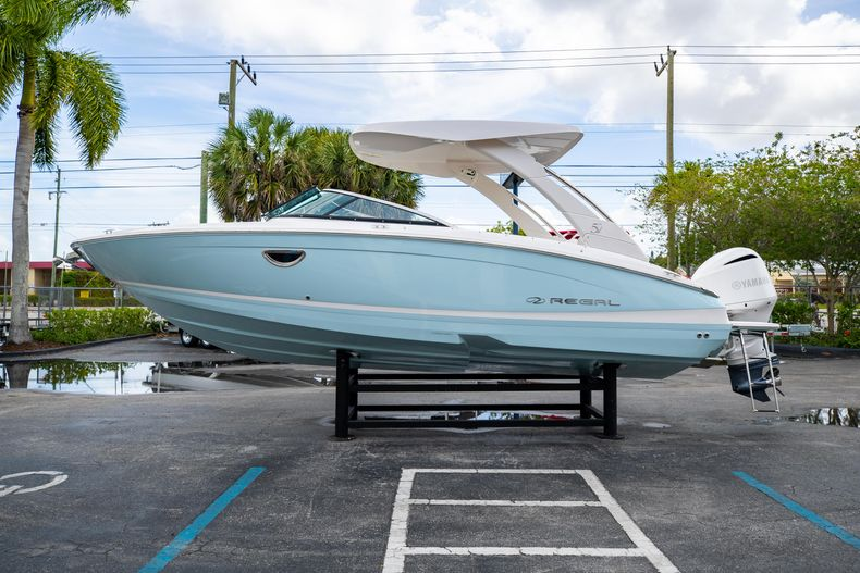 Thumbnail 8 for Used 2021 Regal LX6 Only 7 Hours boat for sale in West Palm Beach, FL