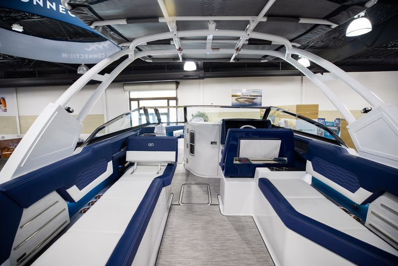Thumbnail 13 for New 2021 Cobalt A29 boat for sale in Aventura, FL