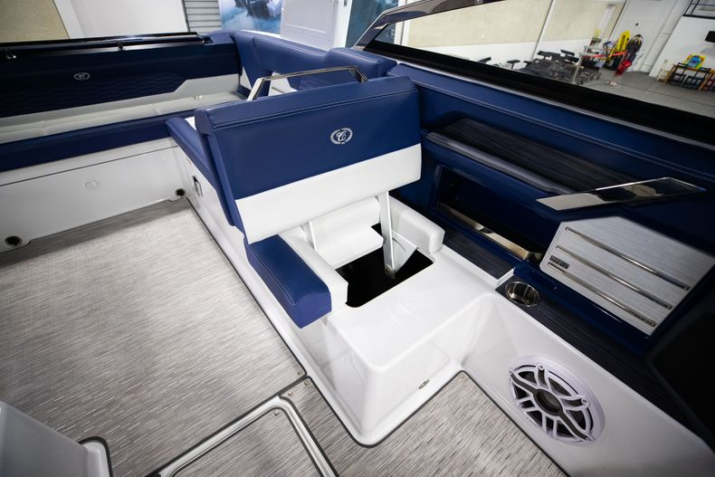 Thumbnail 32 for New 2021 Cobalt A29 boat for sale in Aventura, FL