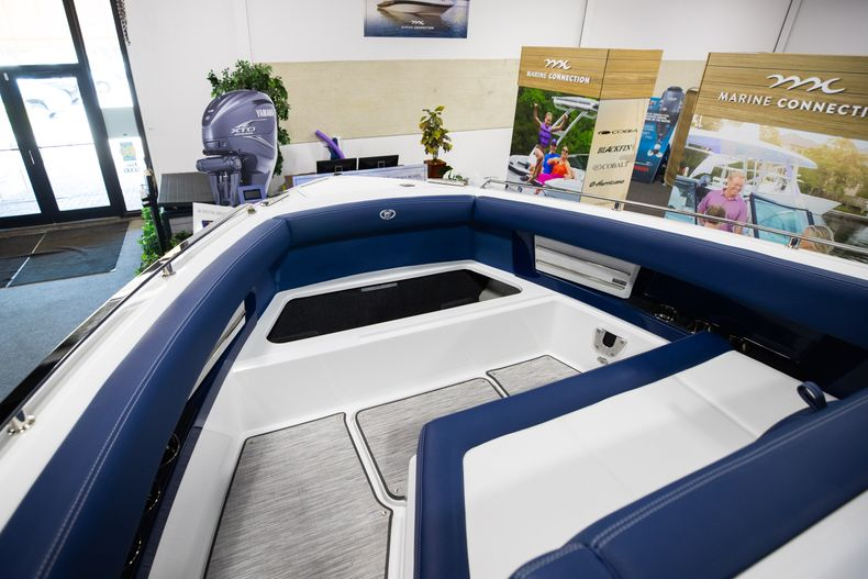 Thumbnail 36 for New 2021 Cobalt A29 boat for sale in Aventura, FL
