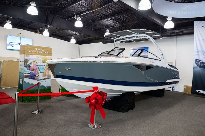 Thumbnail 3 for New 2021 Cobalt A29 boat for sale in Aventura, FL
