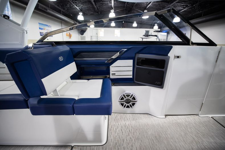 Thumbnail 30 for New 2021 Cobalt A29 boat for sale in Aventura, FL