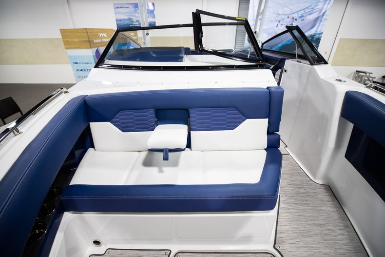 Thumbnail 39 for New 2021 Cobalt A29 boat for sale in Aventura, FL