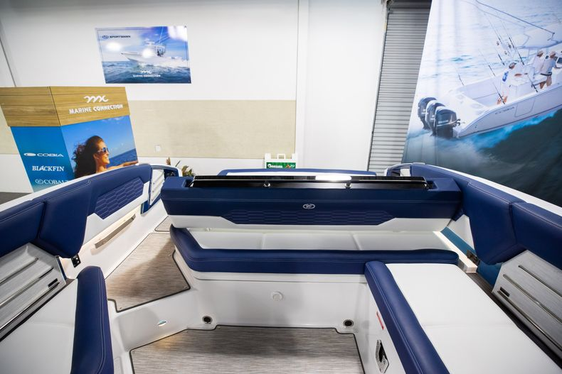 Thumbnail 15 for New 2021 Cobalt A29 boat for sale in Aventura, FL