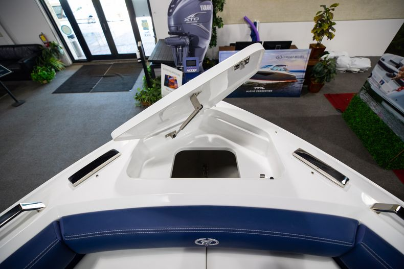 Thumbnail 41 for New 2021 Cobalt A29 boat for sale in Aventura, FL