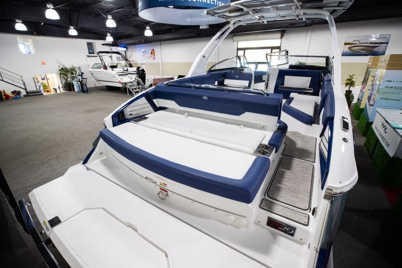 Thumbnail 7 for New 2021 Cobalt A29 boat for sale in Aventura, FL