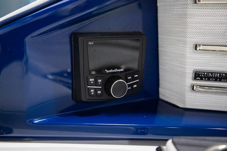 Thumbnail 11 for New 2021 Cobalt A29 boat for sale in Aventura, FL