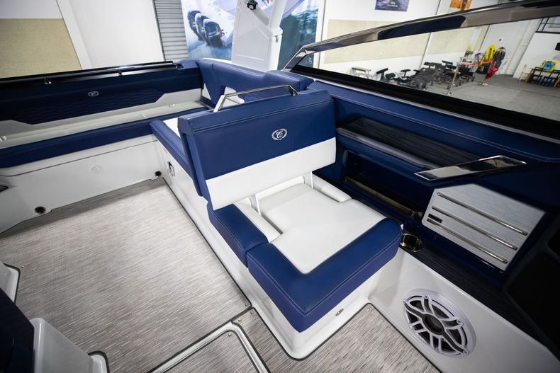 Thumbnail 31 for New 2021 Cobalt A29 boat for sale in Aventura, FL