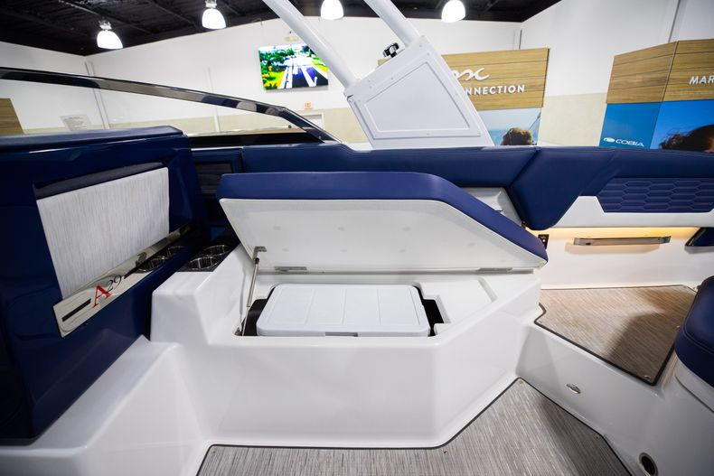 Thumbnail 18 for New 2021 Cobalt A29 boat for sale in Aventura, FL