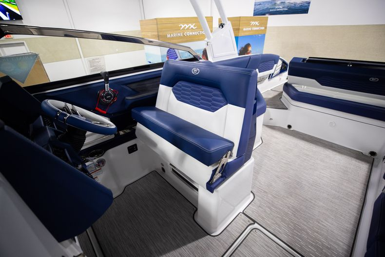 Thumbnail 28 for New 2021 Cobalt A29 boat for sale in Aventura, FL