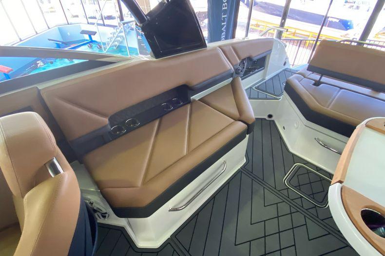 Thumbnail 10 for New 2021 Cobalt R8 boat for sale in Aventura, FL