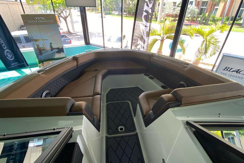 Thumbnail 23 for New 2021 Cobalt R8 boat for sale in Aventura, FL