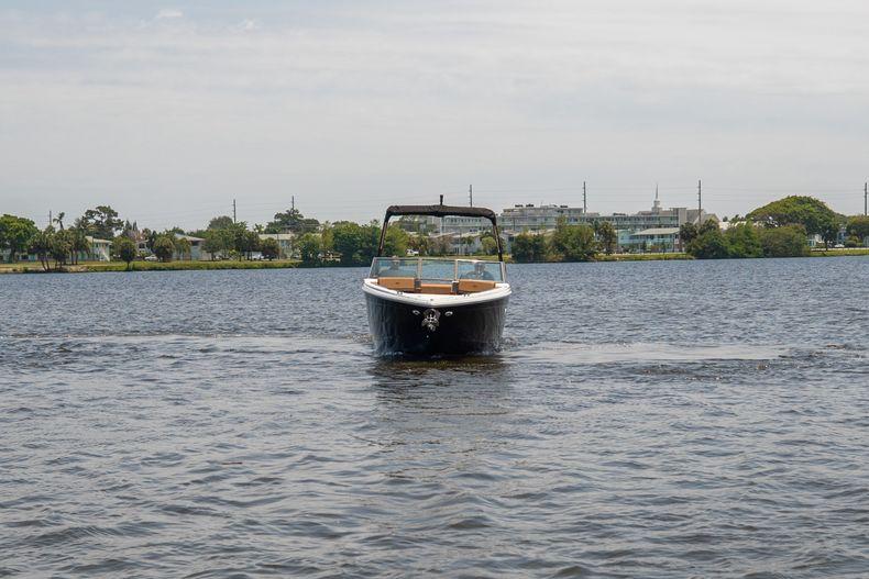 Thumbnail 32 for New 2021 Cobalt R8 boat for sale in Aventura, FL
