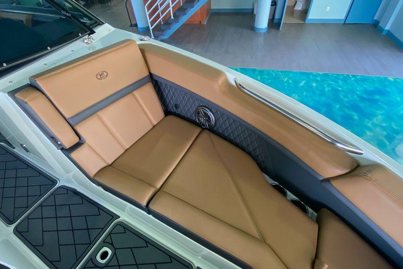 Thumbnail 29 for New 2021 Cobalt R8 boat for sale in Aventura, FL