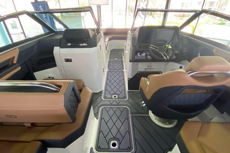 Thumbnail 14 for New 2021 Cobalt R8 boat for sale in Aventura, FL