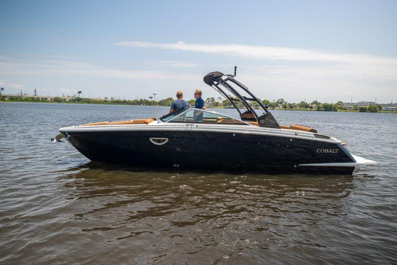 Thumbnail 34 for New 2021 Cobalt R8 boat for sale in Aventura, FL