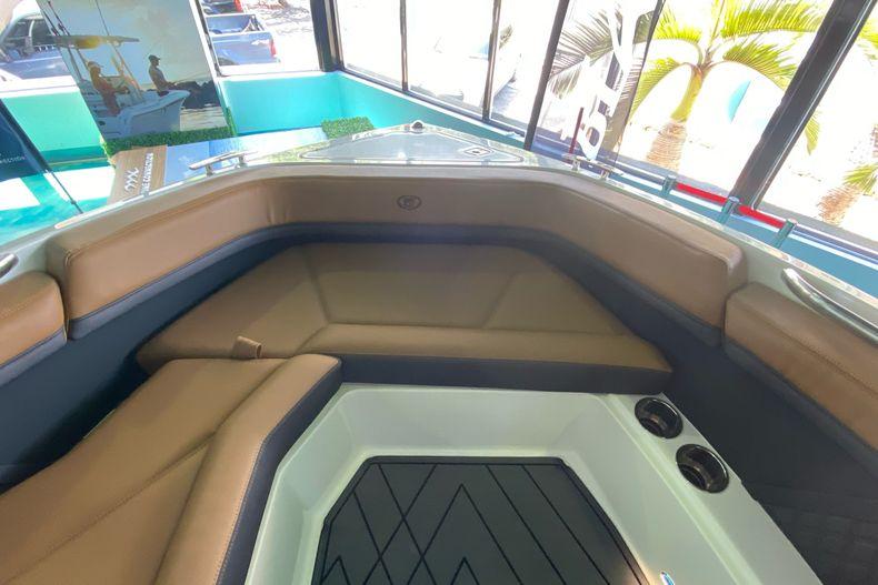 Thumbnail 24 for New 2021 Cobalt R8 boat for sale in Aventura, FL