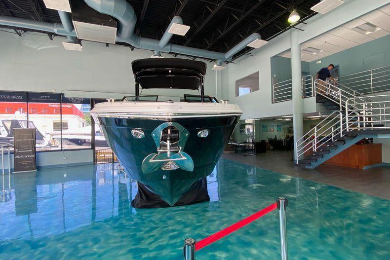 Thumbnail 6 for New 2021 Cobalt R8 boat for sale in Aventura, FL