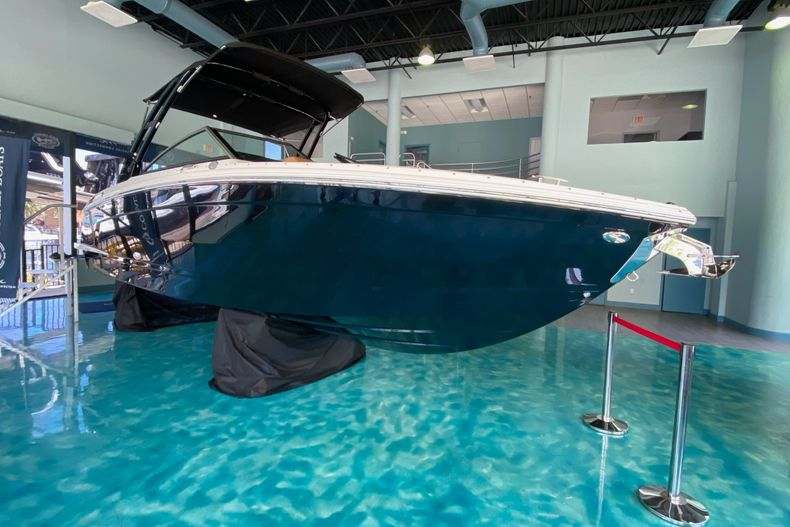 Thumbnail 5 for New 2021 Cobalt R8 boat for sale in Aventura, FL