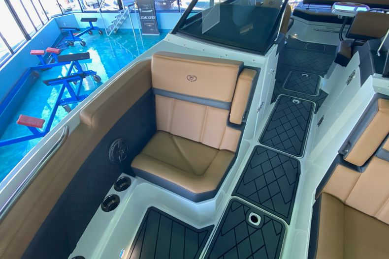 Thumbnail 27 for New 2021 Cobalt R8 boat for sale in Aventura, FL