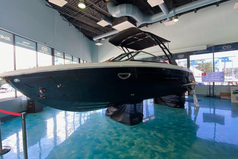 Thumbnail 7 for New 2021 Cobalt R8 boat for sale in Aventura, FL
