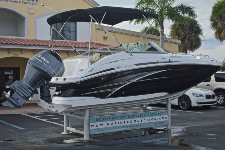 Thumbnail 8 for New 2017 Hurricane SunDeck SD 2200 DC OB boat for sale in West Palm Beach, FL