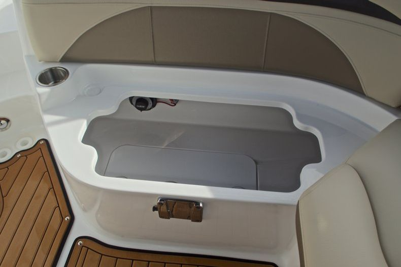 Thumbnail 26 for New 2017 Hurricane SunDeck SD 2200 DC OB boat for sale in West Palm Beach, FL