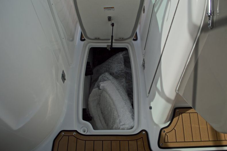 Thumbnail 41 for New 2017 Hurricane SunDeck SD 2200 DC OB boat for sale in West Palm Beach, FL