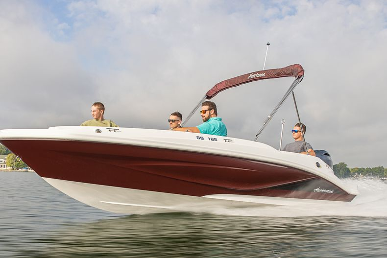 Photo for 2022 Hurricane SunDeck Sport SS 185 OB