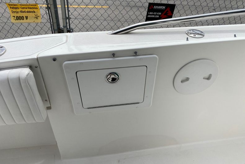 Thumbnail 13 for Used 2001 Stamas 250 Tarpon boat for sale in Miami, FL