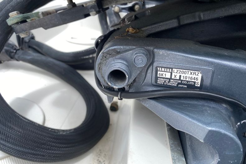 Thumbnail 29 for Used 2001 Stamas 250 Tarpon boat for sale in Miami, FL