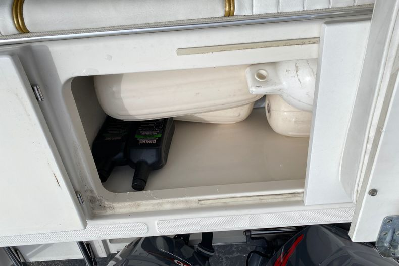 Thumbnail 3 for Used 2001 Stamas 250 Tarpon boat for sale in Miami, FL