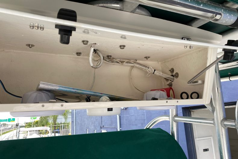 Thumbnail 19 for Used 2001 Stamas 250 Tarpon boat for sale in Miami, FL
